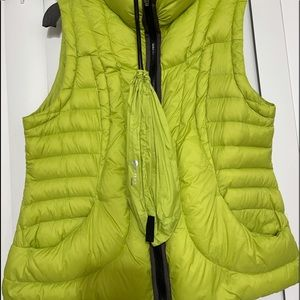 Women's Halifax Traders Puffer Vest with bag